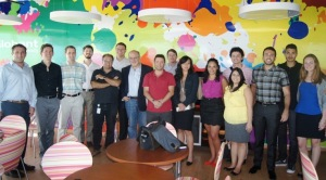 Pablo Brenner, General Manager of Globant Uruguay,With Carlos Baradello and the MBA students.(Montevideo, January 17 2013)